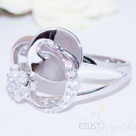 virágok és karikák gyűrű