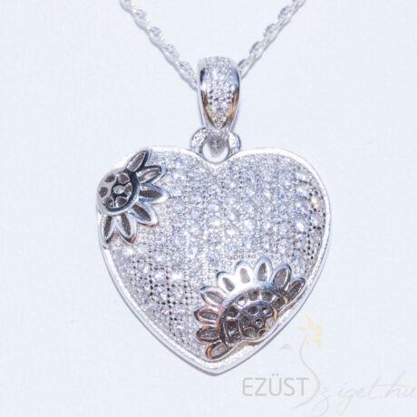 Szív köves medál ezüst