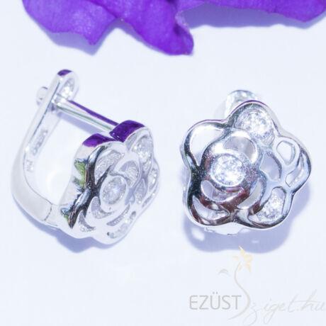 rózsa fülbevaló