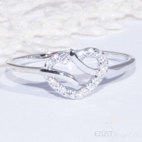 Könnyed Köves Szív Gyűrű