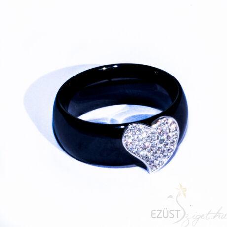 Fekete Porcelán Gyűrű Szív Rátéttel