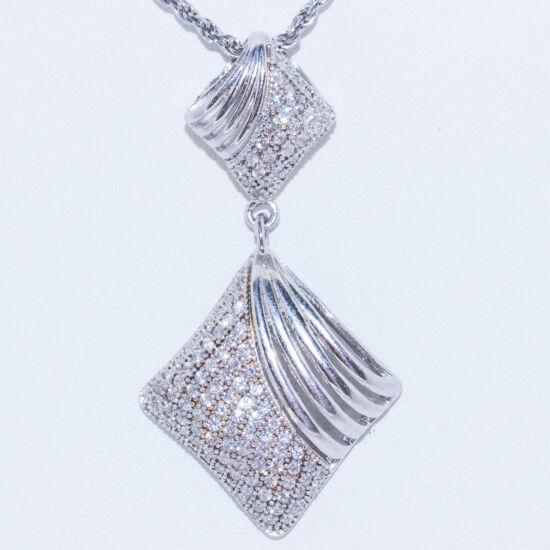 ezüst rombusz medál
