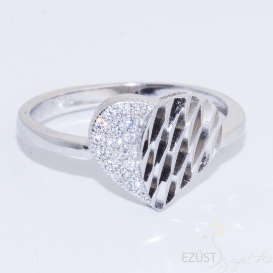 Csiszolt és Köves Szív Gyűrű
